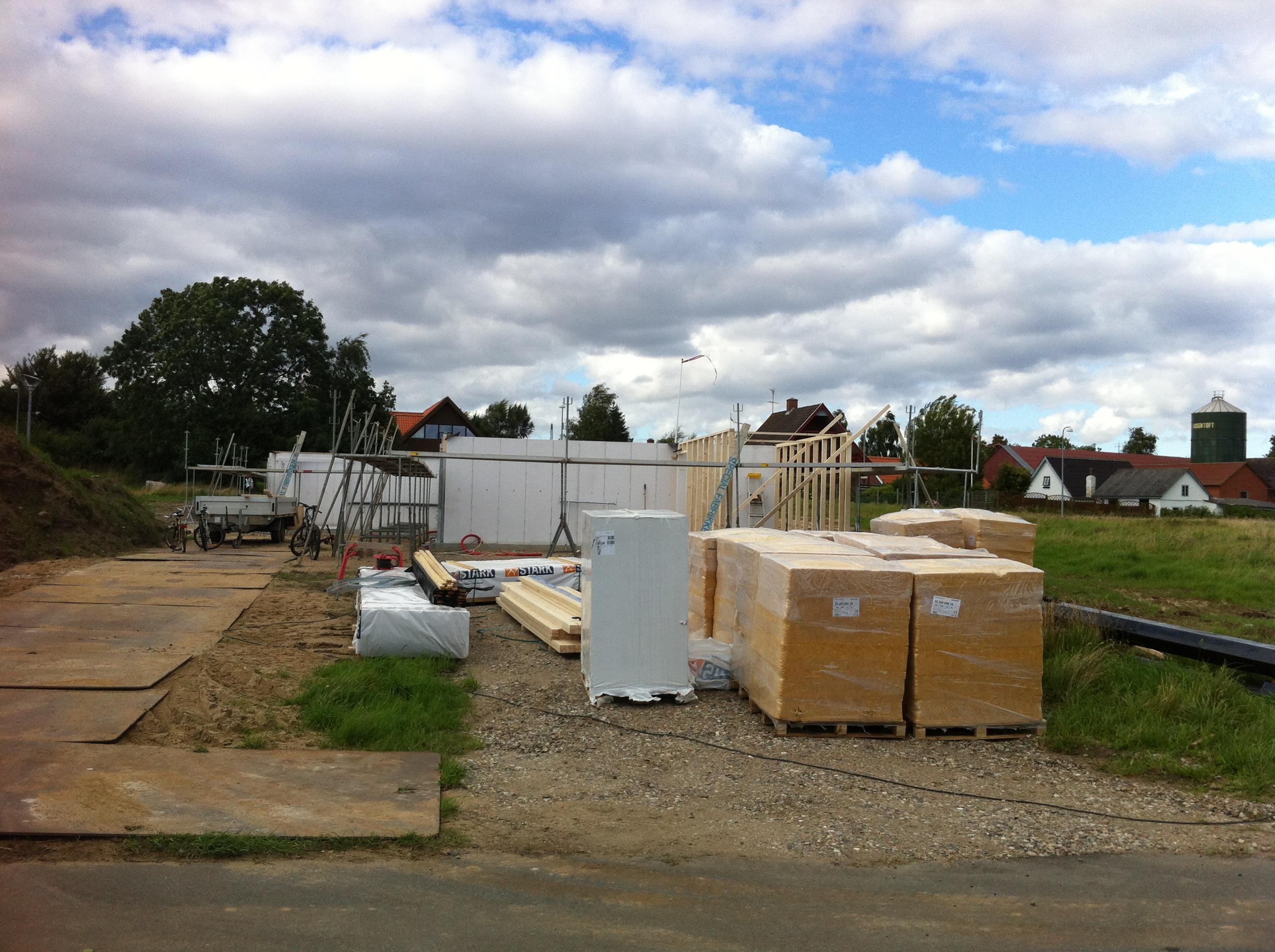 Næste fase er igang (spær, tag og skur) | Thams/Lauridsen's blog